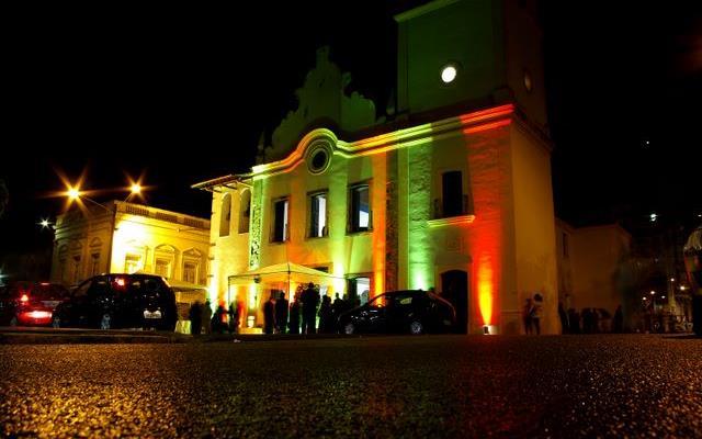 curiozzzo-igrejas-mais-bonitas-natal-a-noite-antiga-catedral-natal-cidadealta-012