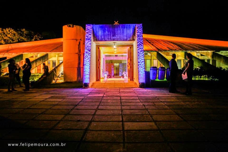 curiozzzo-igrejas-mais-bonitas-natal-a-noite-igreja-do-campus-ufrn-natal-003