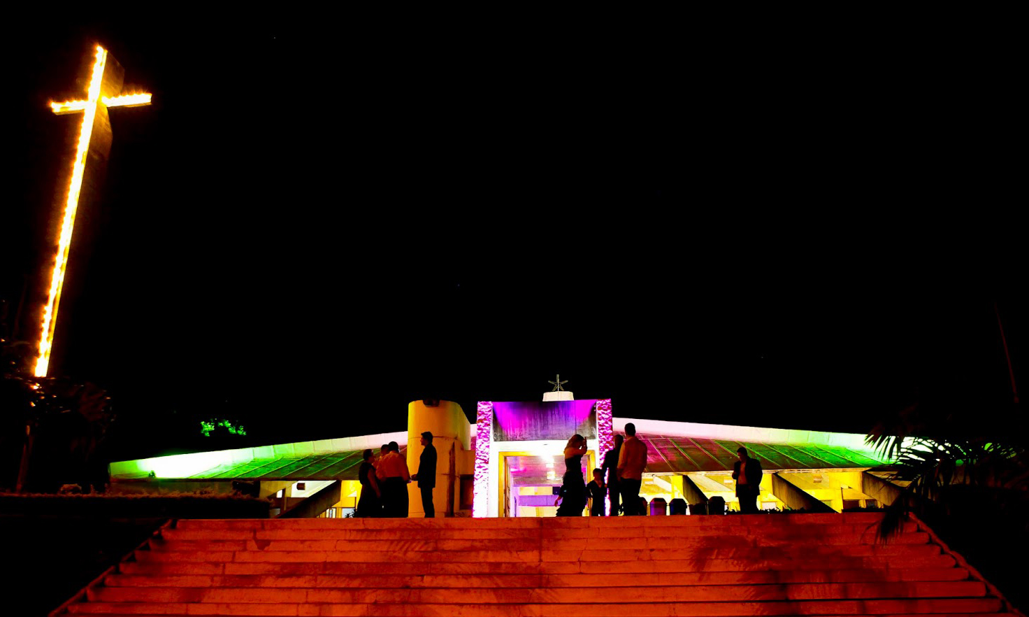 curiozzzo-igrejas-mais-bonitas-natal-a-noite-igreja-do-campus-ufrn-natal-004