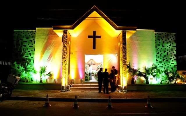 curiozzzo-igrejas-mais-bonitas-natal-a-noite-igreja-nsra-do-libano-lagoaseca-001