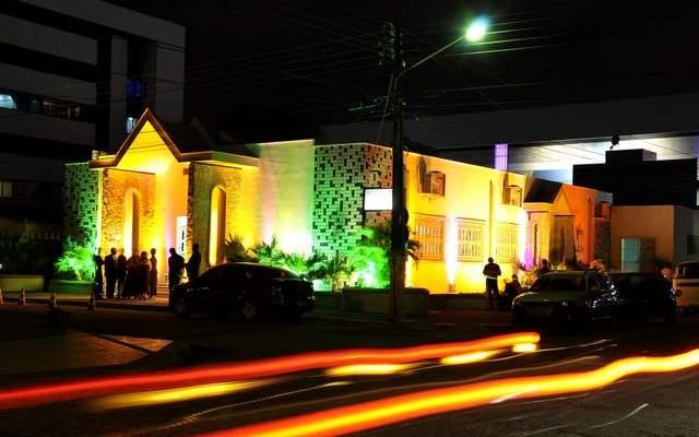curiozzzo-igrejas-mais-bonitas-natal-a-noite-igreja-nsra-do-libano-lagoaseca-002