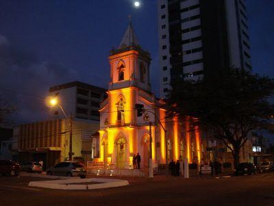 curiozzzo-igrejas-mais-bonitas-natal-a-noite-igreja-santa-terezinha-petropolis-010