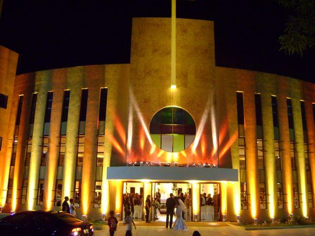 curiozzzo-igrejas-mais-bonitas-natal-a-noite-igreja-santo-agostinho-natal-013