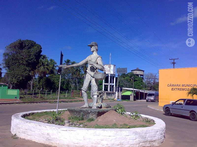 curiozzzo.com-6-monumentos-do-RN-vc-desconheca-vendedor-de-grude