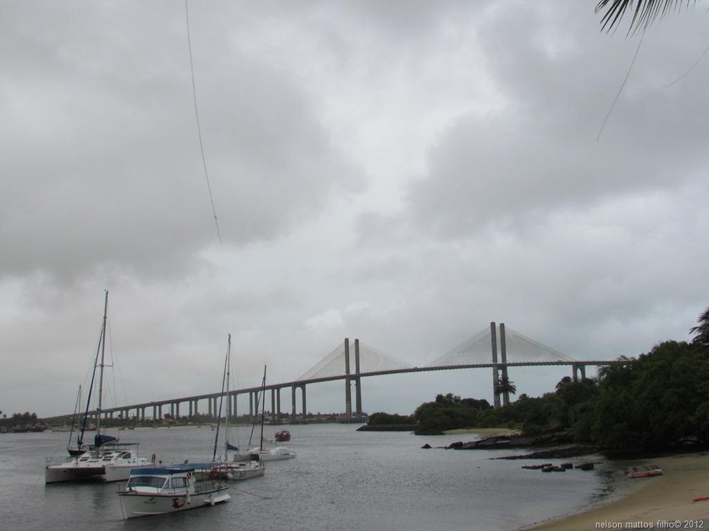 curiozzzo.com-15-fotos-rn-chuva-da-ponte-newton-navarro