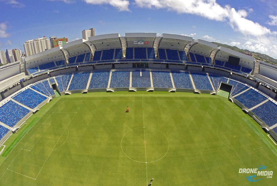 curiozzzo.com-melhores-fotos-drones-arena-campo-drone_midia