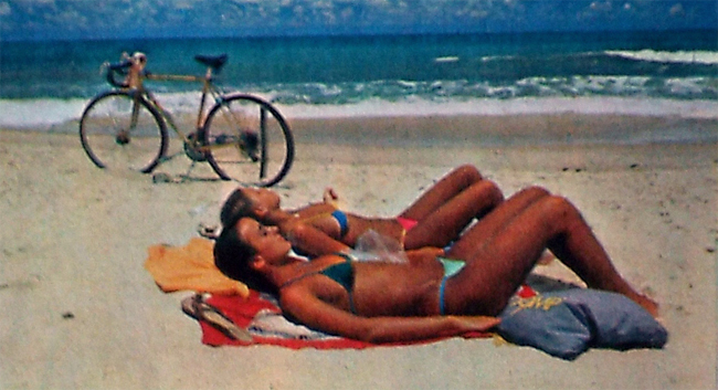 curiozzzo.com-post-fotos-antiga-natal-1984-praia-mulher-bronze-thumb