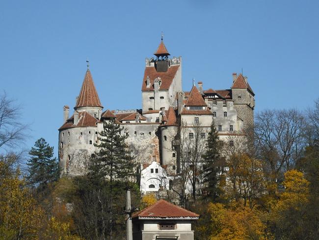 post-castelo-islamico-ze-dos-montes-sitio-novo-serra-da-tapuia-castelo-de-bran-dracula