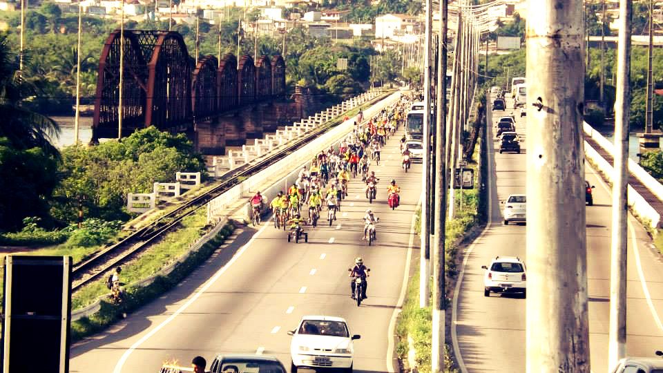 post-rn-quer-dizer-ao-brasil-bicicleta-rua-ponte-igapo-transito