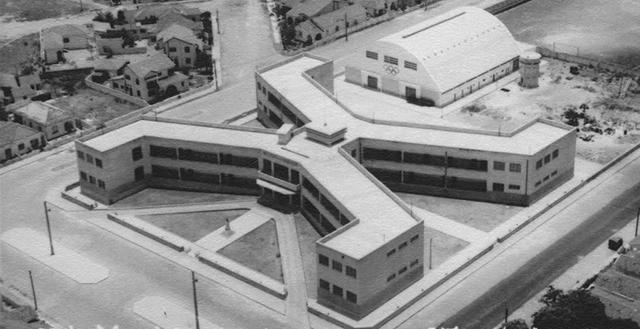 post-curiosidades-colegio-escola-atheneu-ateneu-predio-aerea-preto-e-branco-antiga-formato-x-thumb