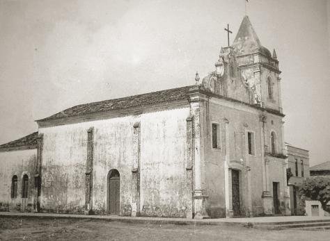 post-curiosidade-natal-1600-igreja-matriz-rua-preto-e-branco