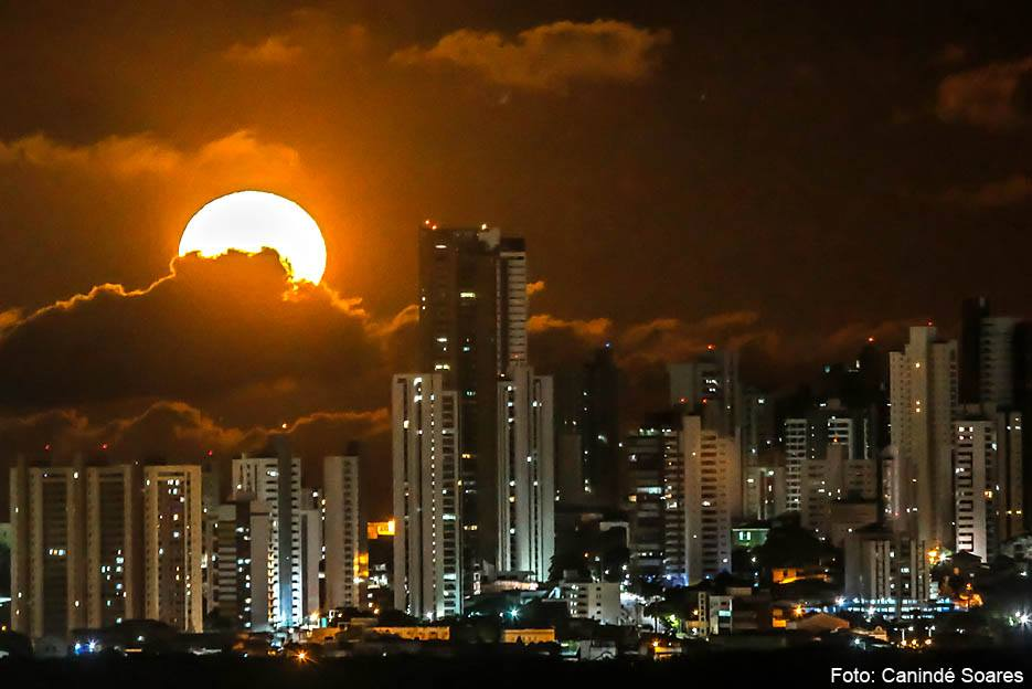 post-foto-lua-noite-caninde-soares-bombou