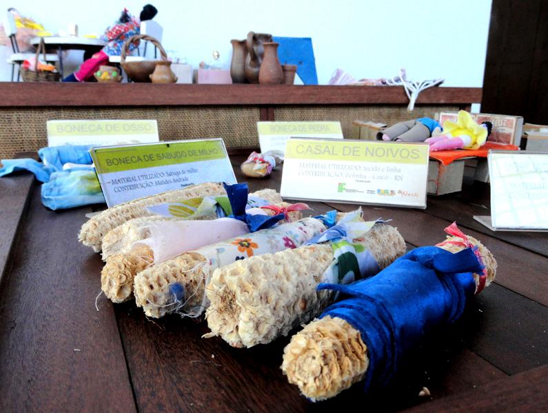 post-brinquedos-rn-boneco-boneca-sabugo-milho