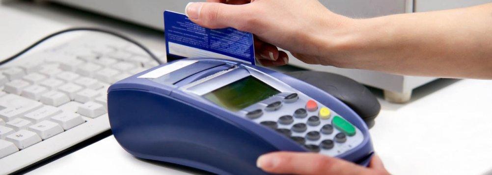 post-direitos-consumidor-comerciantes-nao-querem-voce-saiba--cartao-credito-maquina
