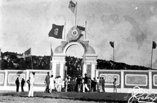 post-1a-partida-futebol-rn-estadio-juvenal-lamartine-final-decada-1920-bandeiras-jogo