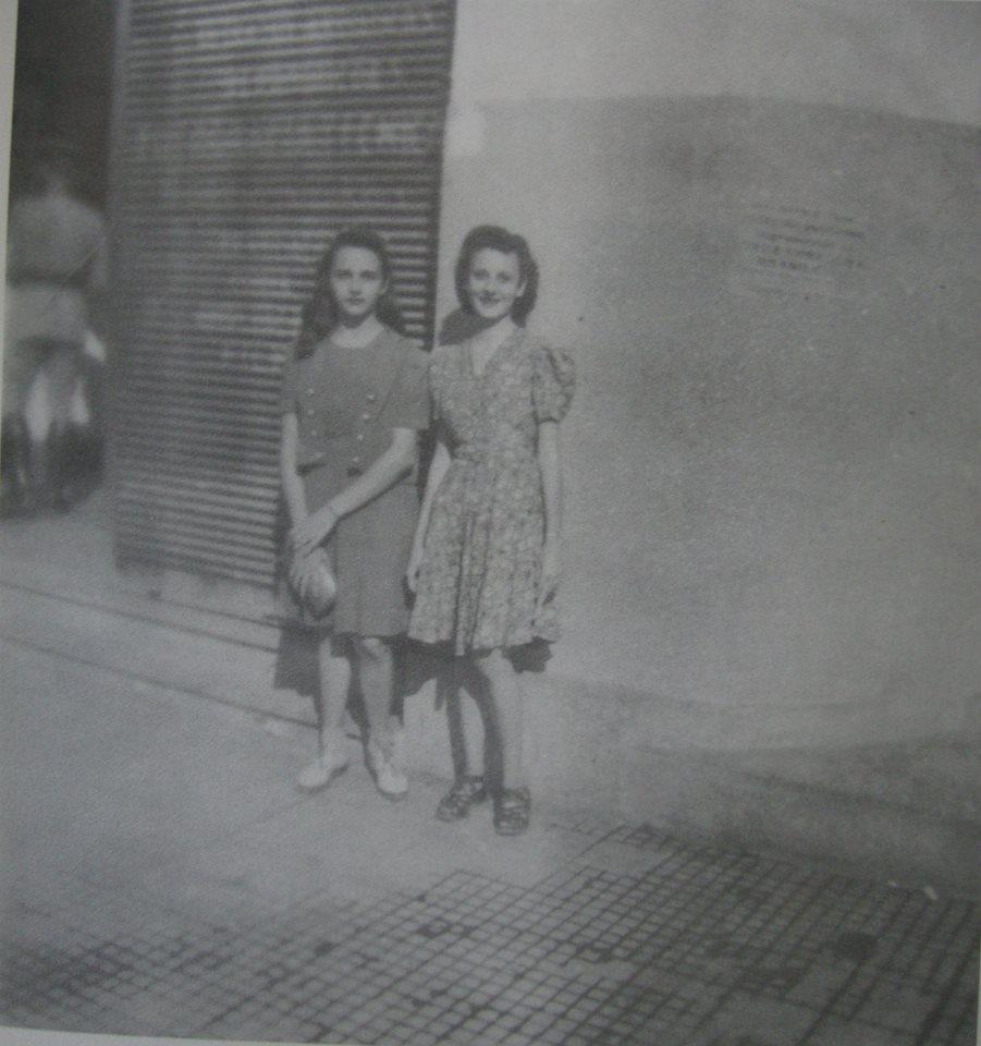 post-fotos-2a-guerra-com-explicacoes-alunas-mulheres-meninas-frente-a-pensao-america-avenida-rio-branco