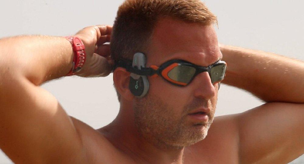 post-nadador-britanico-ben-hooper-piscina-quer-atravessar-oceano-ate-natal-4